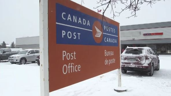 Canada Post pickets 'occupy' London facility to protest back-to-work legislation