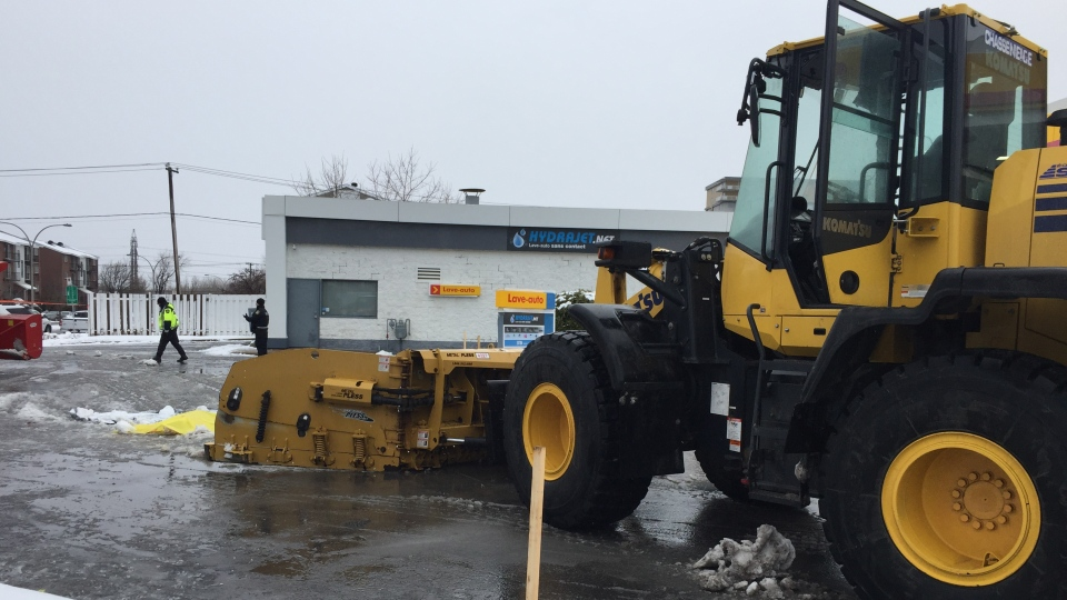 Gas Prices Laval >> Gas Station Attendant 62 Killed By Snowplow Clearing The