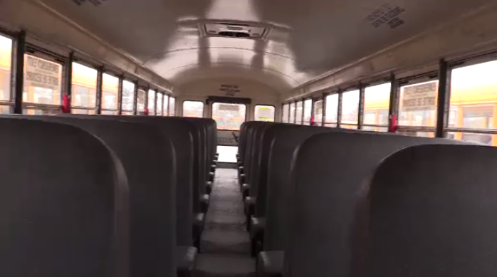 Kathleen Wynne pushes bill that proposes three-point seatbelts in all new school buses by 2020 and retrofits for all existing school buses by 2025
