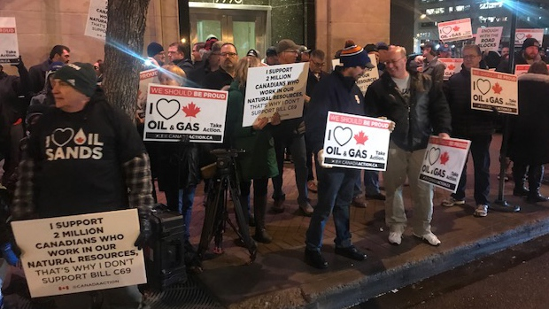 Pro-pipeline protest
