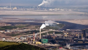 The Suncor oil sands facility seen from a helicopter near Fort McMurray, Alta., Tuesday, July 10, 2012. (THE CANADIAN PRESS / Jeff McIntosh)