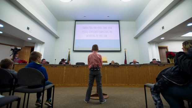 Boy gets Colorado town to overturn snowball fight ban