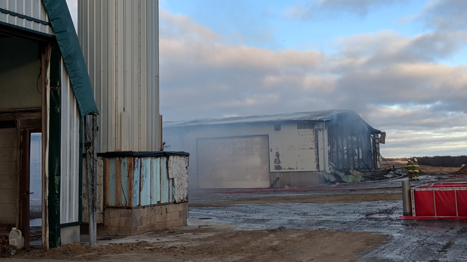 Several fire crews responded to a large barn fire in Wilmot early Tuesday morning. (@martaczurCTV)