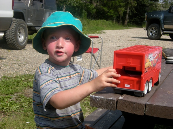 A three-year-old boy is lucky to be alive after taking a 12 kilometre wild ride down B.C.'s Peace River in a battery-powered toy car. (Adam Reaburn/Energeticcity.ca)