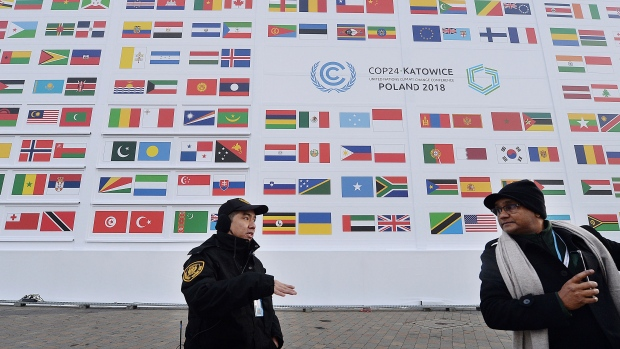 'Key issues unresolved', UN chief warns climate talks