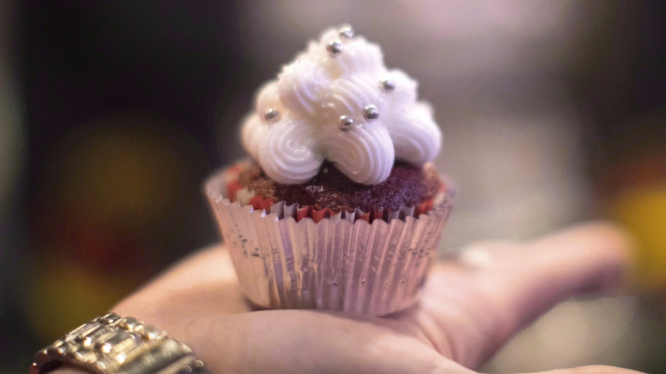 A cannabis-infused cupcake 'edible' at a stall at a 'Green Market' pop-up event in Toronto on Dec. 18, 2016. (Chris Young / THE CANADIAN PRESS)