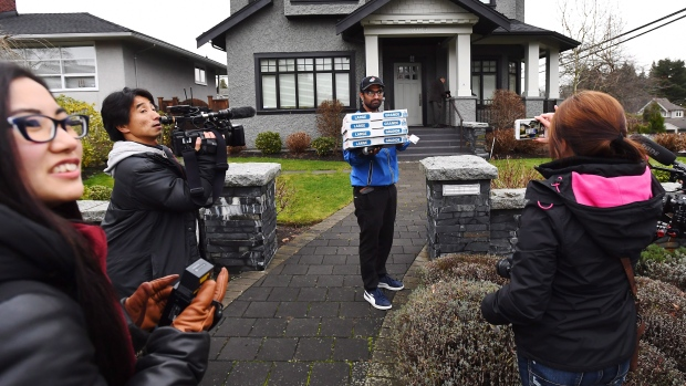 Pizza for media at Meng's house