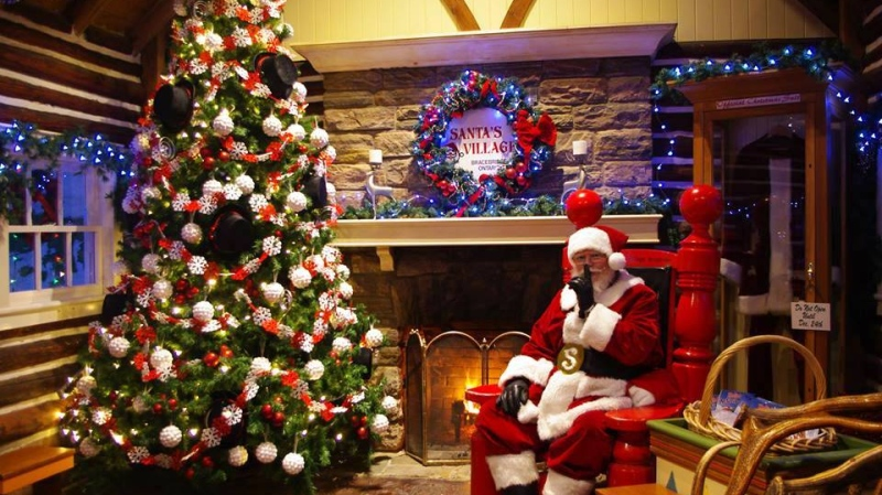 Christmas Theme Park.This Family Found Christmas Joy Year Round By Buying A Theme