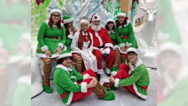 'Feeling great': Santa returns to Londonderry Mall after health scare
