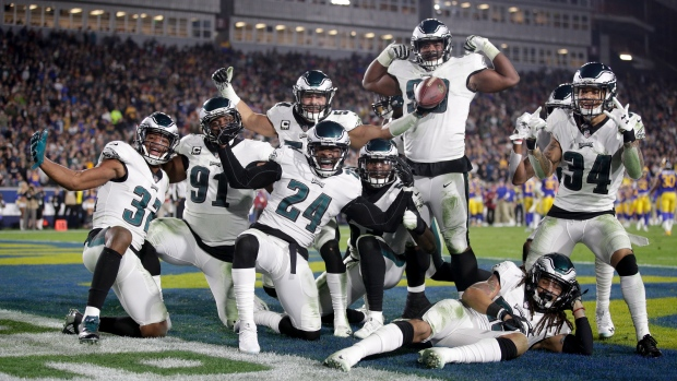 0783c89663a Back in the game: Foles leads Eagles past Rams 30-23 | CTV News