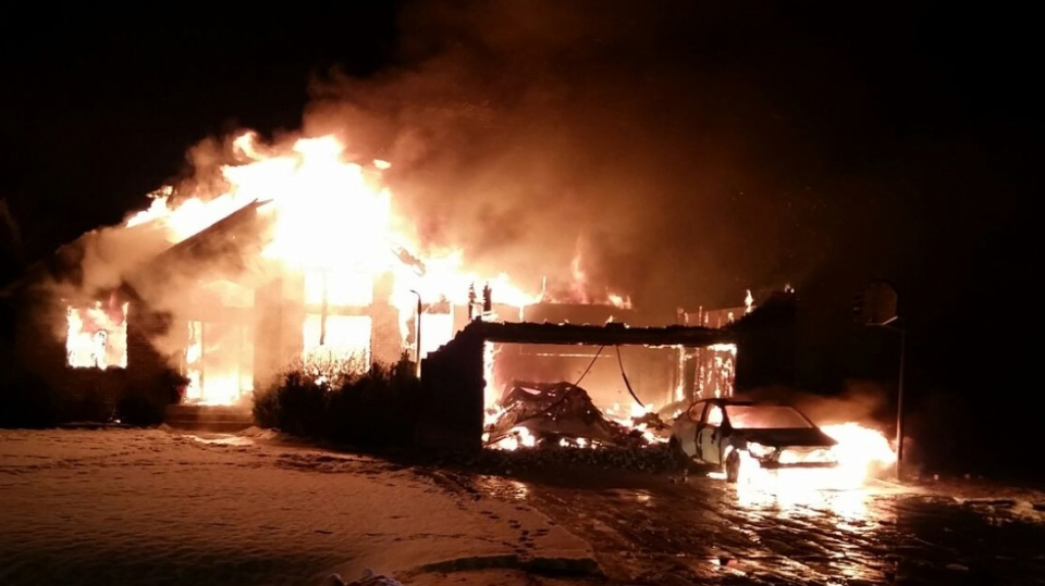 RCMP in Headingley, Man., received a report about the fire on Park Avenue around 1:20 a.m. (Source: RCMP)