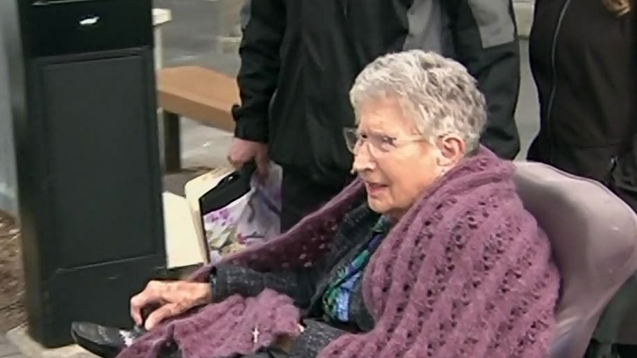 Jean Knox is seen leaving a Barrie courthouse in May 2017 (CTV News)