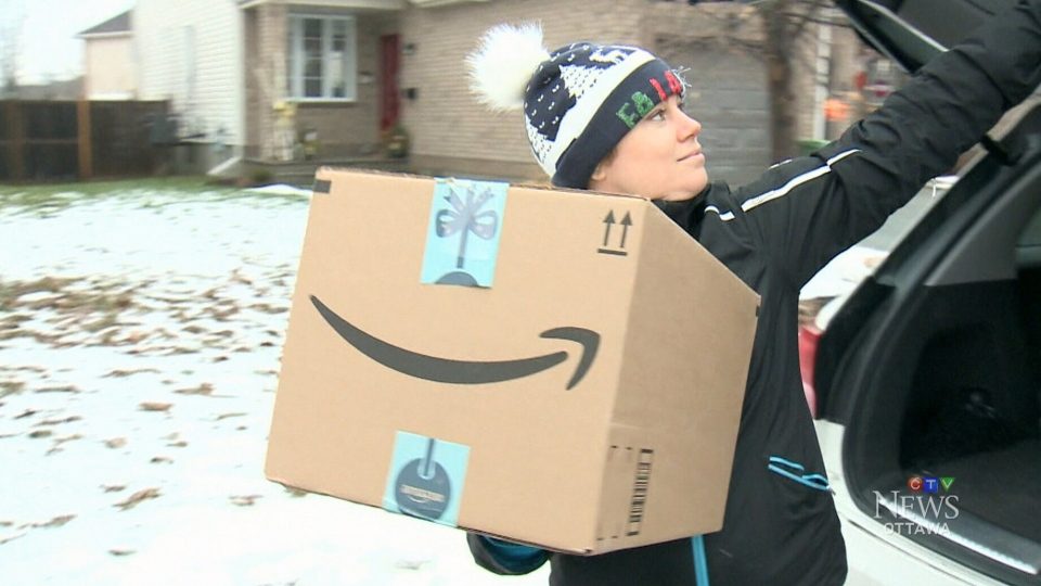 Families hit by Ottawa-area tornadoes treated to Christmas surprise