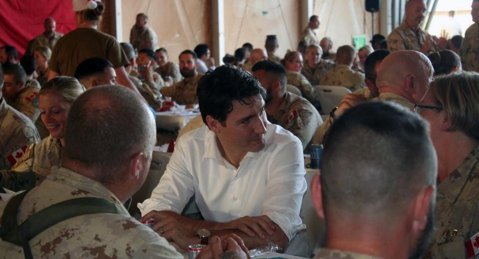 Justin Trudeau met with Canadian troops in Gao, Mali, on Sunday, Dec. 22, 2018. (Glen McGregor)