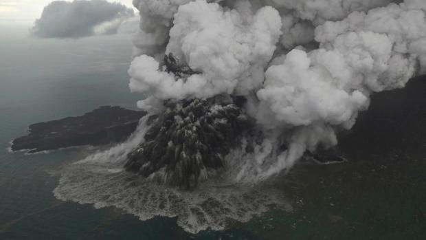 QnA VBage Indonesia searches for tsunami victims; death toll hits 373 - CTV News