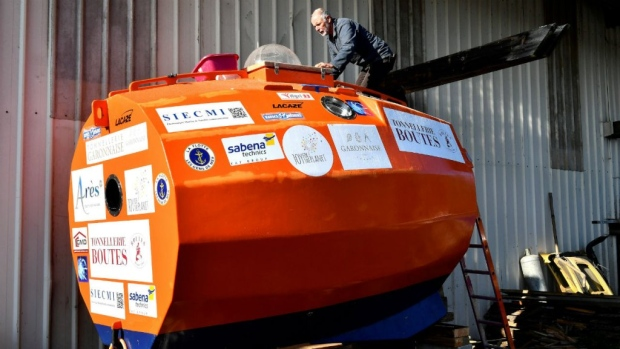 French retiree heads across the Atlantic in a barrel