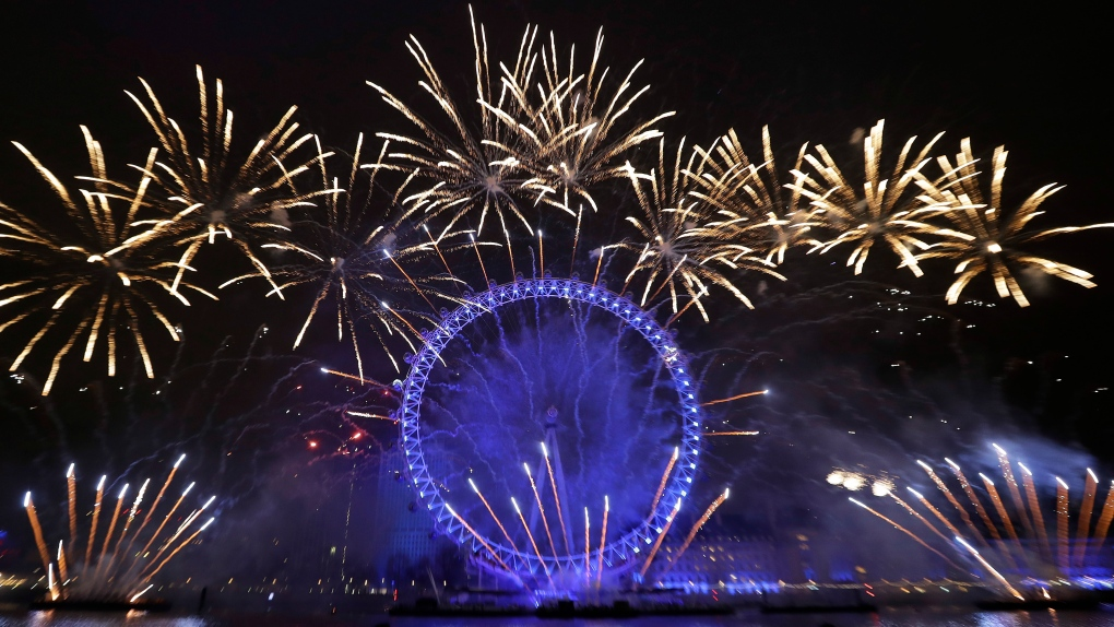 London Eye morphs into EU flag during NYE fireworks extravaganza