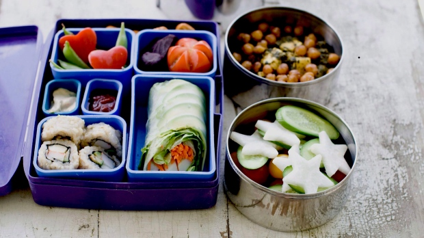 There's an app for that: Students opt for delivery over bag lunches, cafeterias