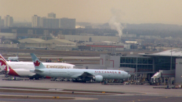 Smell of burning plastic forces Air Canada flight to return