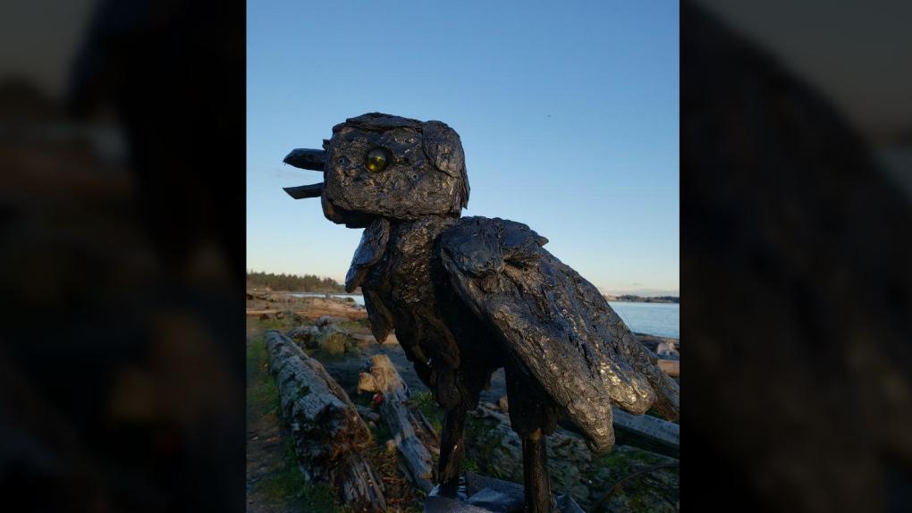 raven sculpture esquimalt lagoon paul lewis