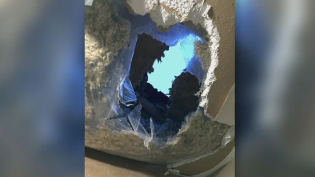 Ice chunk falls from sky, crashes through roof of Mississauga home