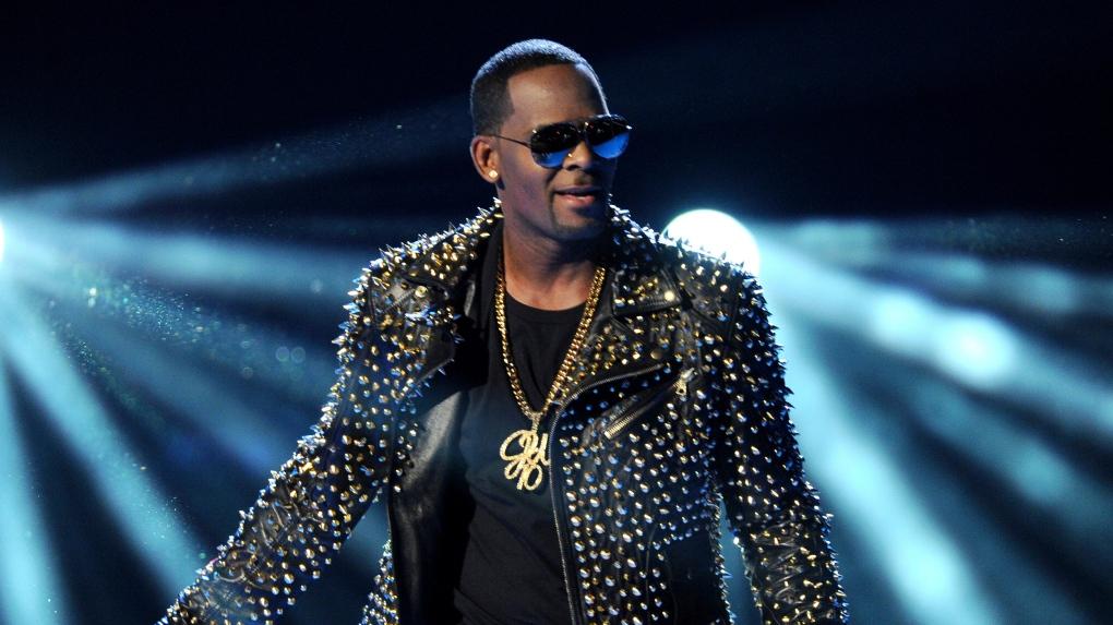 r kelly live performances on bet awards
