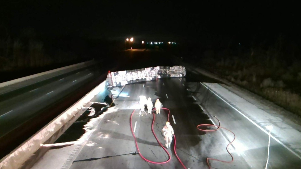 The scene on Highway 401 on Sunday, January 13 2019, near Cambridge, Ont.,after a tanker truck crashed spilling jet fuel across the westbound and eastbound lanes. (OPP/Twitter)