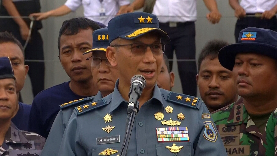 Indonesian officials speak during a news conference on the Lion Air plane crash on Monday, January 14, 2019. (CTV News)
