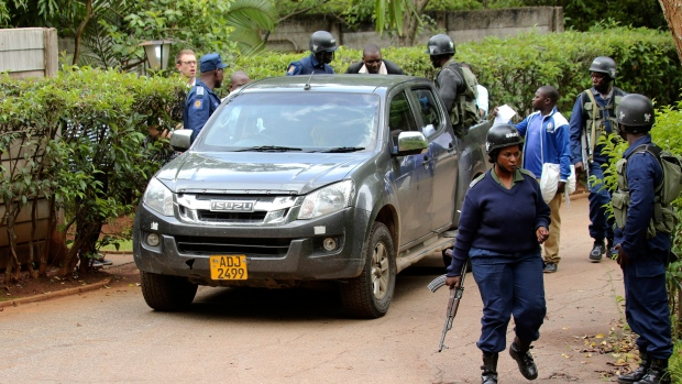 Zimbabwe police arrest scores in harsh crackdown on protests
