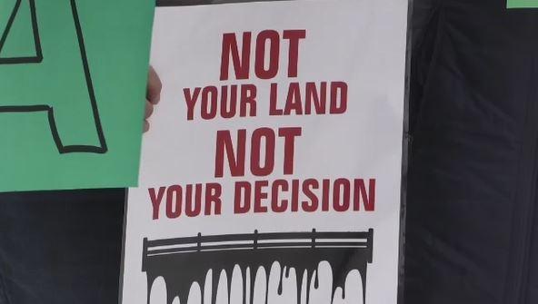 Solidarity protest for Unist'ot'en Camp