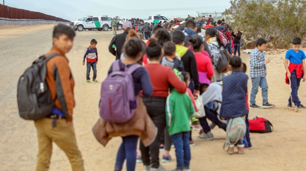 Central American families, children cross into United States near Yuma