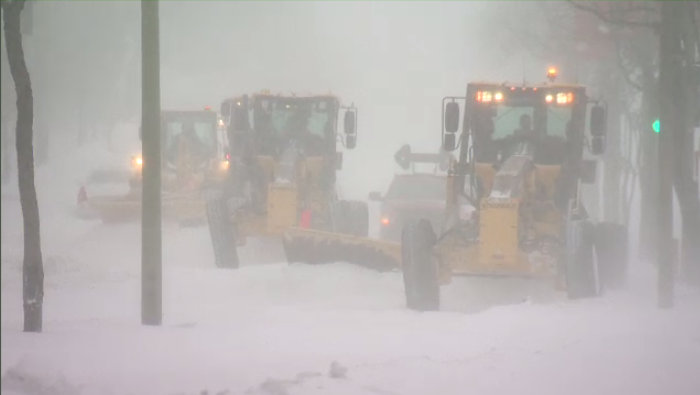 The city's snow removal operation will officially begin at 7 p.m. Monday. (CTV Montreal)