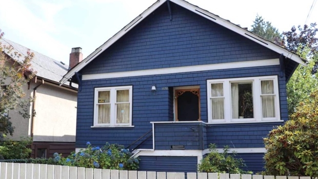 "Through photos posted with the home&#39;s listing, tour a Vancouver detached home in need of &#39;a LOT of TLC,&#39; listed for $998,000.  <br> <b><a href=""https://bc.ctvnews.ca/proof-detached-home-prices-are-dropping-vancouver-fixer-upper-listed-at-1m-1.4263165"" target=""_blank"">Read the full story here</a>.</b> <br>(Photos from CTV News and Oakwyn Realty)"