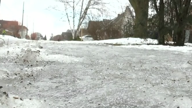 On Tuesday, Montreal's temperature is expected to drop by one degree an hour all day and night