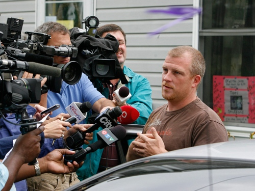 Victoria Stafford's father Rodney Stafford speaks to the media after police confirmed the remains discovered Sunday near Mount Forest were those of Victoria (Tori) Stafford, on Tuesday, July 21, 2009. (Dave Chidley / THE CANADIAN PRESS)