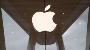 The Apple logo is displayed at the Apple store in the Brooklyn borough of New York, Thursday, Jan. 3, 2019. Apple Inc. will debut its Apple News app in Canada early next week. The U.S.-based tech giant's app curates news and can be set up to provide stories based on a user's interests. THE CANADIAN PRESS/AP, Mary Altaffer