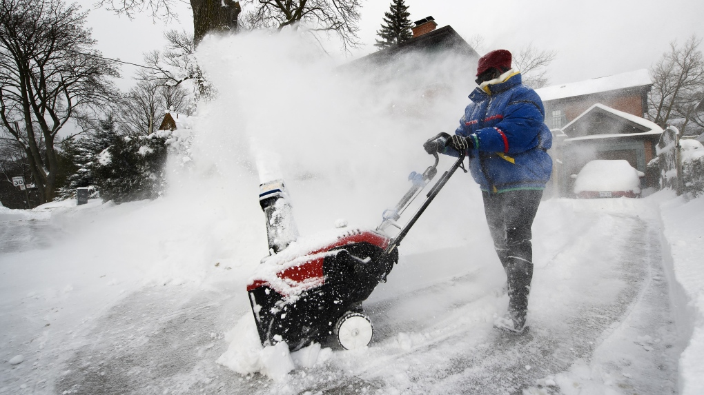 Snowfall warning issued for Toronto, GTA; up to 25 cm of snow expected
