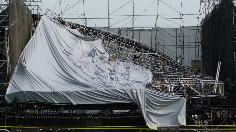 Photo 2 of 3 of the 2012 stage collapse in Downsview, Ontario. (Source: Ontario Ministry of Labour)