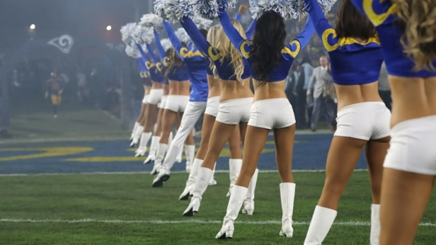 Los Angeles Rams cheer team