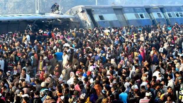 Train derails in India, killing 7 people