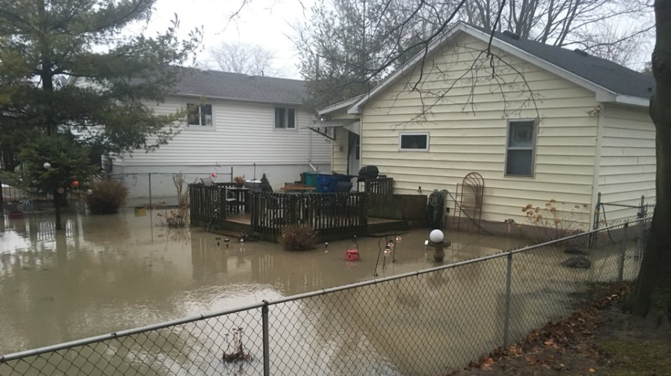Water surrounds a home in Chatham after rising water levels from the Thames River on February 7, 2019. ( Chris Campbell / CTV Windsor )