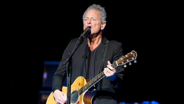 Former Fleetwood Mac guitarist undergoes open heart surgery