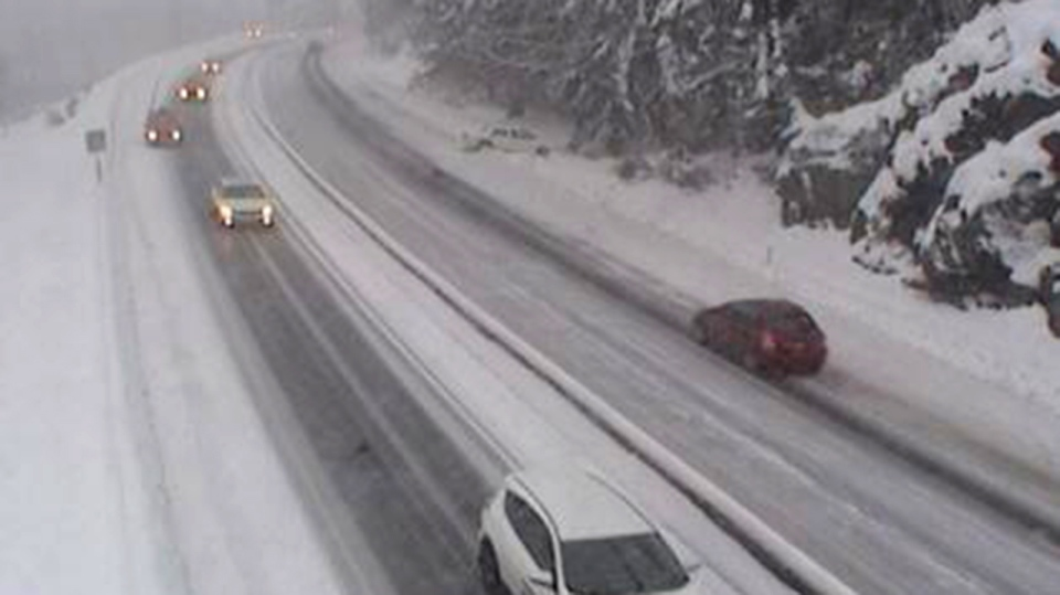 Snow started sticking to the Malahat Thursday afternoon, Feb. 14, 2019. (DriveBC)