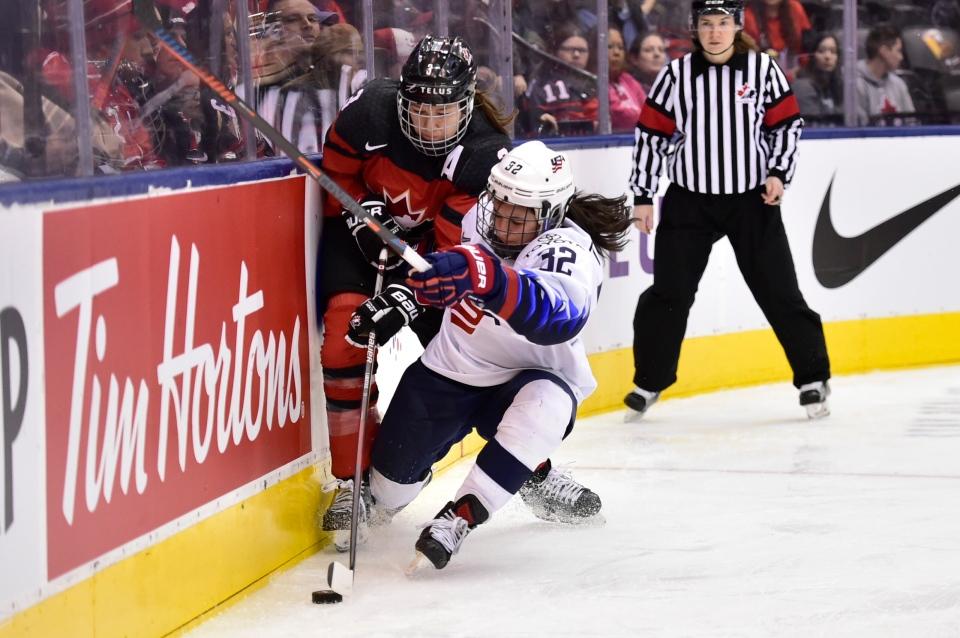 1f234c5d4d5 Canadian women s hockey team edges U.S. 4-3 to push Rivalry Series ...