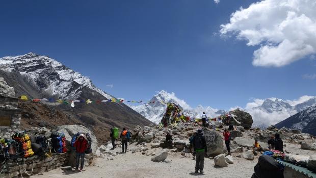 Mountain Everest base camp