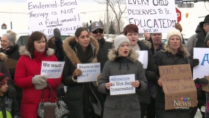 Parents continue to protest Ont. autism funding