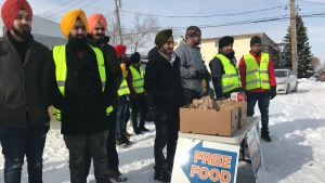 Every Sunday a group of Sikh volunteers gives out free food to those in need. (Stefanie Davis/CTV Regina)