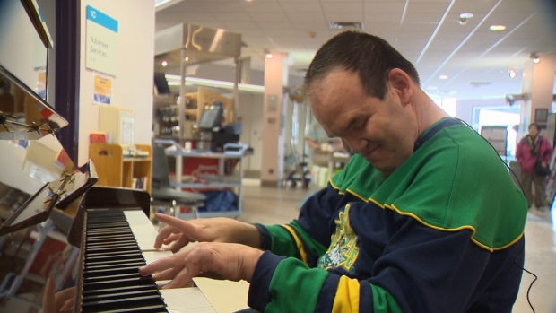 'He's an inspiration:' Blind pianist brings music to Edmonton hospital