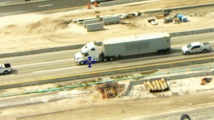 Florida police chase man in semi-truck
