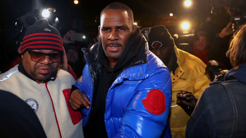 Citing cash woes, R. Kelly asks judge for OK to fly to Dubai